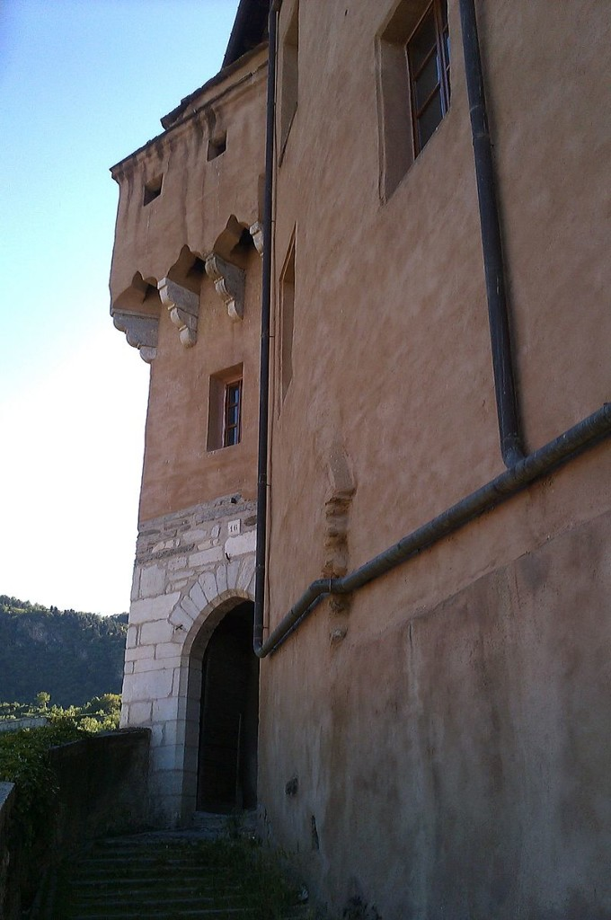 Susa,_Castello,_postierla_di_ingresso_alla_corte
