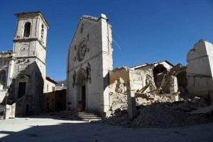 terremoto-norcia-basilica-san-benedetto-crolli-30-ottobre-2016-2