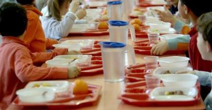 insetto-nei-pasti-della-mensa-di-una-scuola-allarme-al-vomero