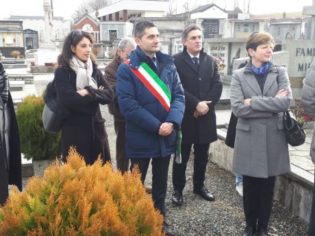 14_genn_Commemoriazione Giulio De Benedetti al cimitero di Rosta (1)