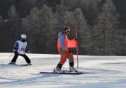 Slalom Gigante. Giovane concorrente preceduto dalla guida (Foto Gian Spagnolo)