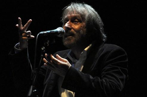 06 bQUALCUNO ERA GIORGIO GABER - Tangram Teatro - nella foto Bruno Maria Ferraro 12