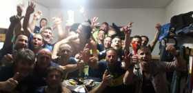 festeggiamento spogliatoio dopo vittoria campionato