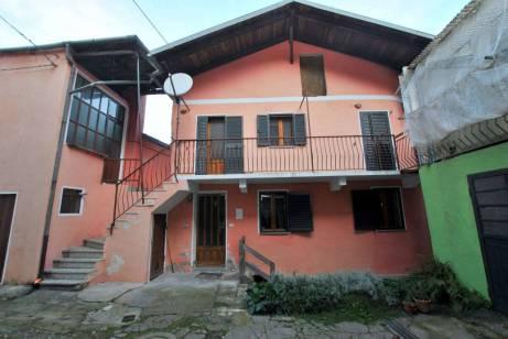 Vendesi Casa Chiusa San Michele (01)