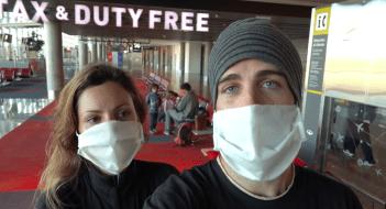 Sara e Luca in aeroporto