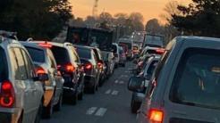 Aglomerație în trafic între Valu lui Traian și Constanța. FOTO Vălureni.ro