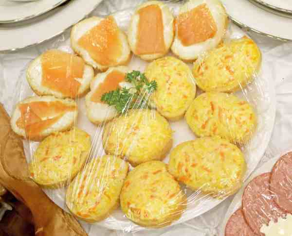 Carrot and Cheese Canapés Appetizers