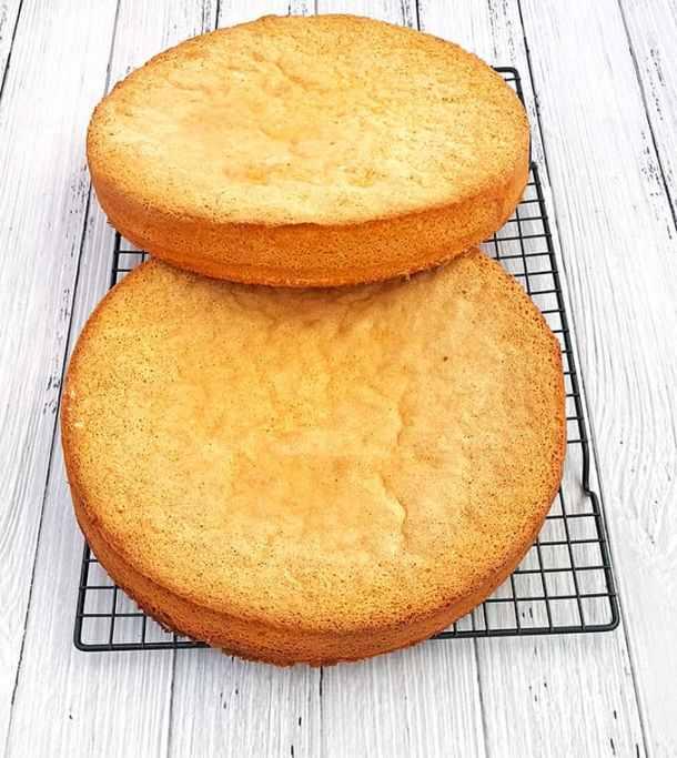 Cake Truffles, chocolate, cocoa, dessert, gorgeous dessert décor, Kartoshka Chocolate Cake Truffles (Potato Pirozhnoye), natural vanilla extract, party friendly dessert, Pirozhnoye, potato dessert, sponge cake truffles