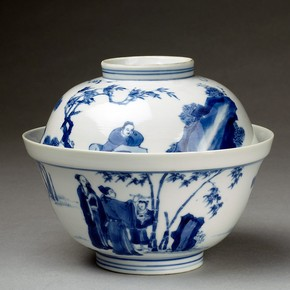 Bowl and lid, Jingdezhen, China. Museum no. C.794&A-1910