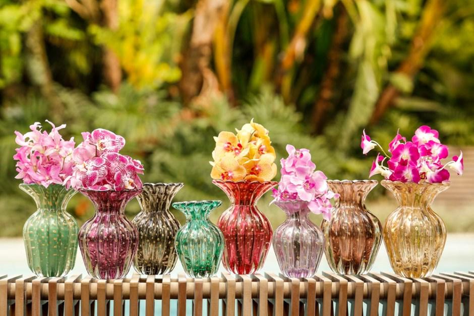 vasos com arranjos paulabassini