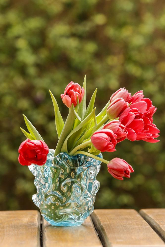 tulipas vermelhas em muranos da Paula Bassini