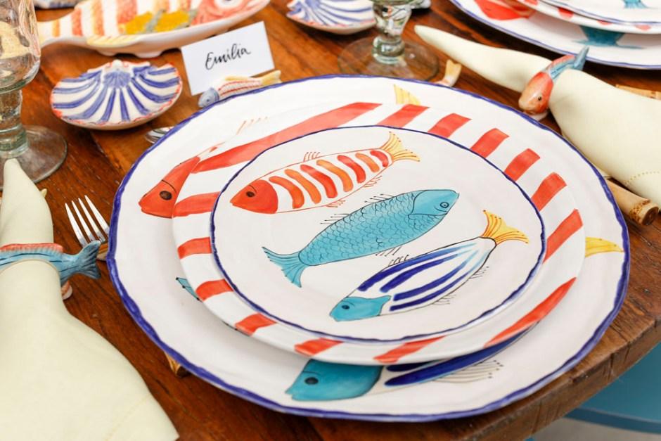 pratos com desenho de peixe