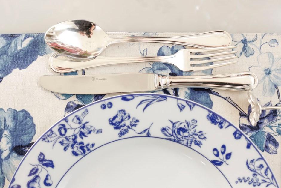 louça em azul e branco Vista Alegre Matisse Casa