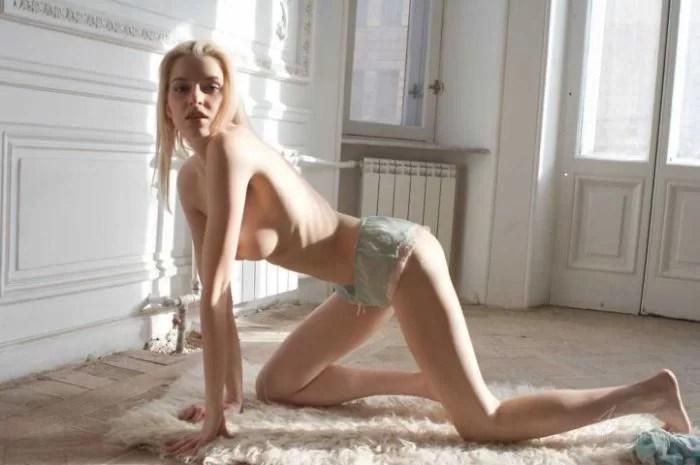 Sexy-Nude-Blonde-Izolda-Queen-Maya-8 (LOW)