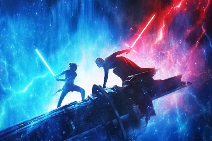 Star Wars Episodio IX l'ascesa di skywalker copertina Rey e Kylo Ren si affrontano in battaglia impugnando le spade laser