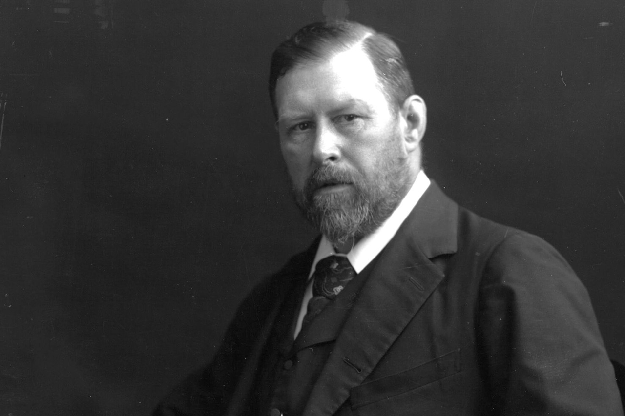 Bram Stoker (1847-1912), novelist born in Ireland, author of Dracula