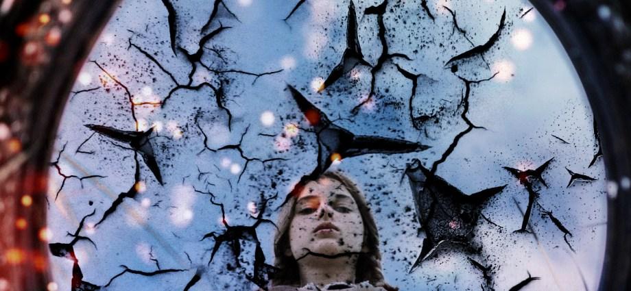 Lo Specchio di Claudia Mauro - Favole da Compagnia