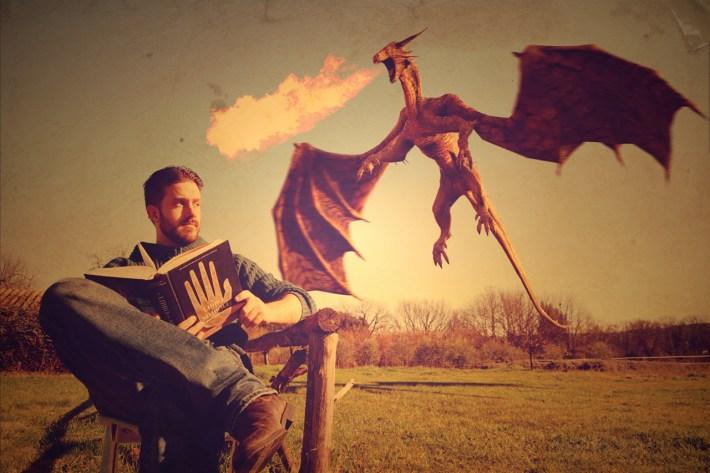 Andrea de Angelis foto autore con drago