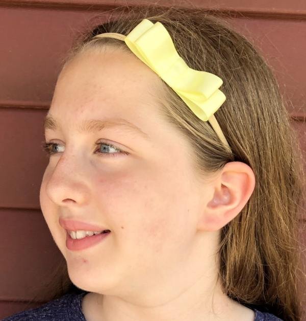 pale yellow hair bow
