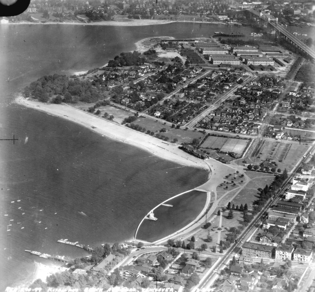 Aerial view of Kitsilano Beach and Park, 1945 Reference code AM54-S4-: Air P28