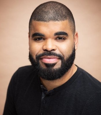 """""""Superior Donuts has substance and depth, and the characters are actually very complex. It's what made me jump back into it, because when I read the script it was very obvious that this was not like every other show that I've read."""" - actor Chris Francisque"""