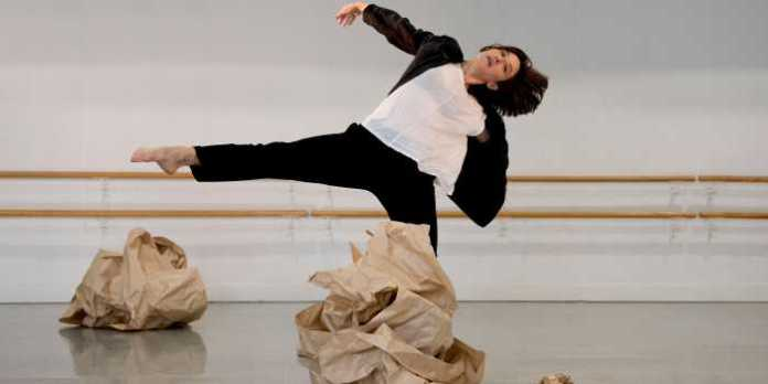 Vanessa Goodman will perform in Tedd Robinson's (oLOS) as part of Solo Dances/Past into Present. Photo by Sylvain Senez.