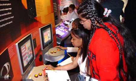 Educational opportunities at the Vanderbilt Museum and Planetarium.