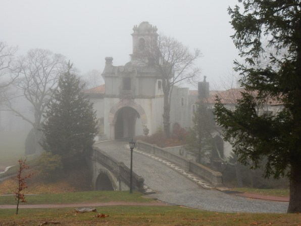Vanderbilt Mansion, Foggy Day