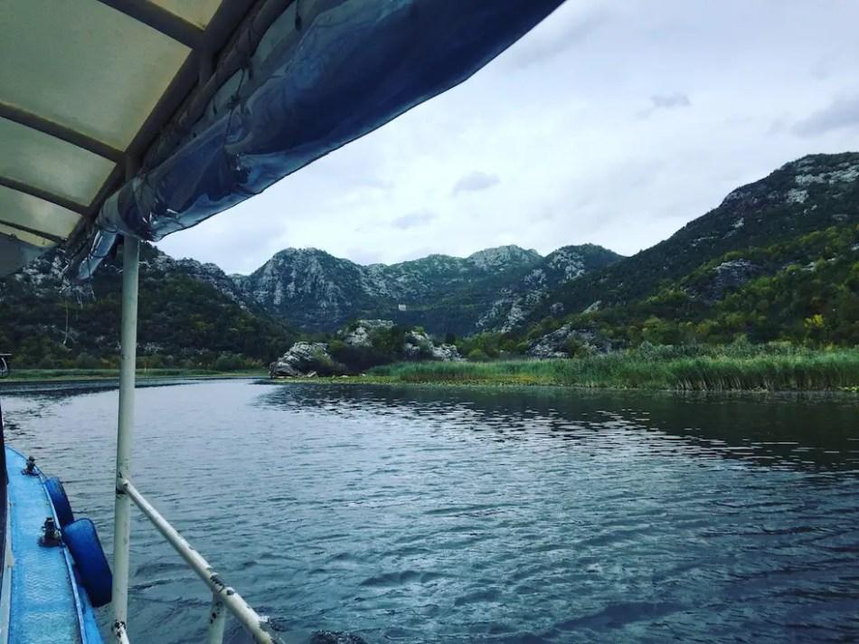 Montenegro Skutarisee Kontraste Vogelreservat Wohnmobil Bootsfahrt Hund