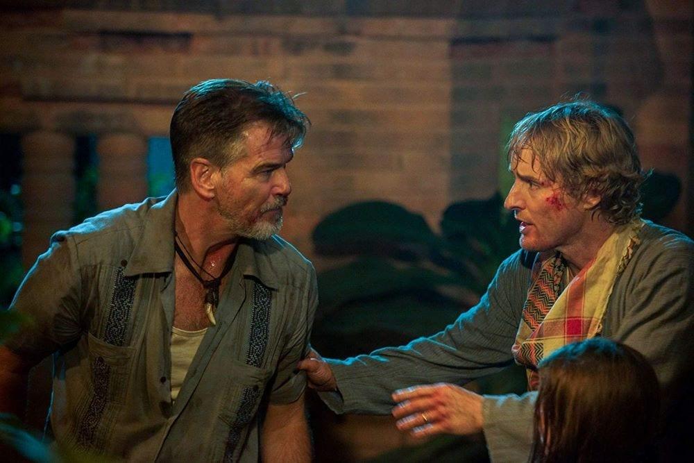 Pierce Brosnan and Owen Wilson in No Escape (2015)