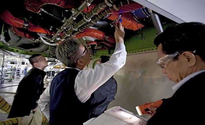 El reporte indica que la demanda mundial total de técnicos y pilotos calificados será impulsado por el continuo crecimiento económico, que por consecuencia incrementará la demanda en promedio en 30,000 nuevos técnicos y 28,000 nuevos pilotos cada año. (Foto: Boeing)
