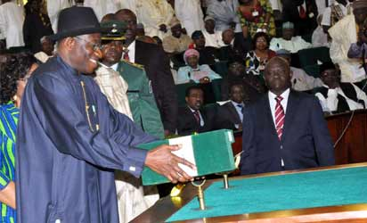File photo: PRESIDENT GOODLUCK JONATHAN LAYING THE 2013 BUDGET PROPOSAL BEFORE THE JOINT SESSION OF THE NATIONAL ASSEMBLY IN ABUJA ON WEDNESDAY (10/10/12).  STATE HOUSE PHOTO