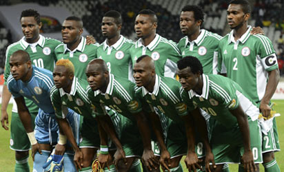 Nigeria's squad lines up before the Africa Cup of Nations Nigeria vs Burkina Faso group C football match at Mbombela Stadium in Nelspruit on January 21, 2013. AFP PHOTO