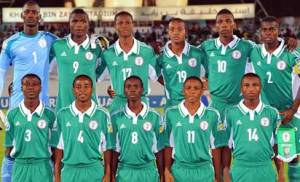 Nigeria's line up during the FIFA U17 group F match between Sweden and Nigeria at Khalifa Bin Zayed Stadium on October 22, 2013 in Al Ain, United Arab Emirates. (Photo FIFA)