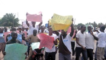 Image result for Ondo South youths shutdown Benin-Ore road over power outage