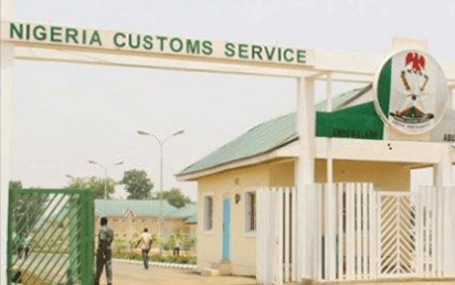 Kwara customs distributes seized items to Orphanage, IDPs