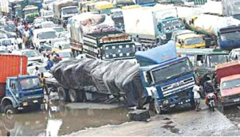Fashola Laments Degeneration Of Apapa Roads Vanguard News