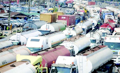 APAPA GRIDLOCK: Craters at Mile 2 cause nightmare for motorists