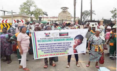 •Sweepers protesting at the Lagos State Governor's office, Alausa, Ikeja