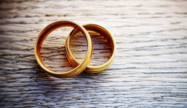 Women who resort to bigamous marriages get their fingers burnt