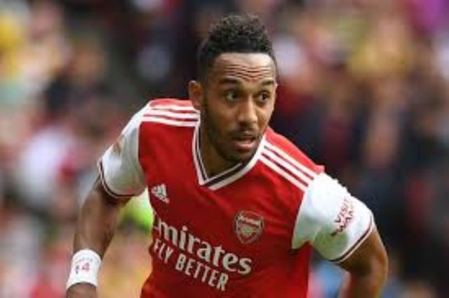 Aubameyang the 'laziest player' at Arsenal ? Cascarino
