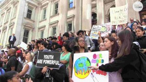 Climate summit: Big companies commit to emissions slash