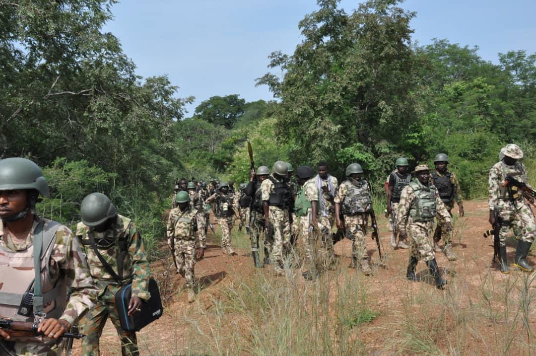 Troops, Bandits, troops