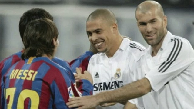 Messi, Zidane  The only time that Messi has asked to swap shirts #Nigeria 1493406032221
