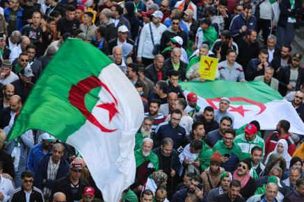 Thousands Algerians protest scheduled presidential election