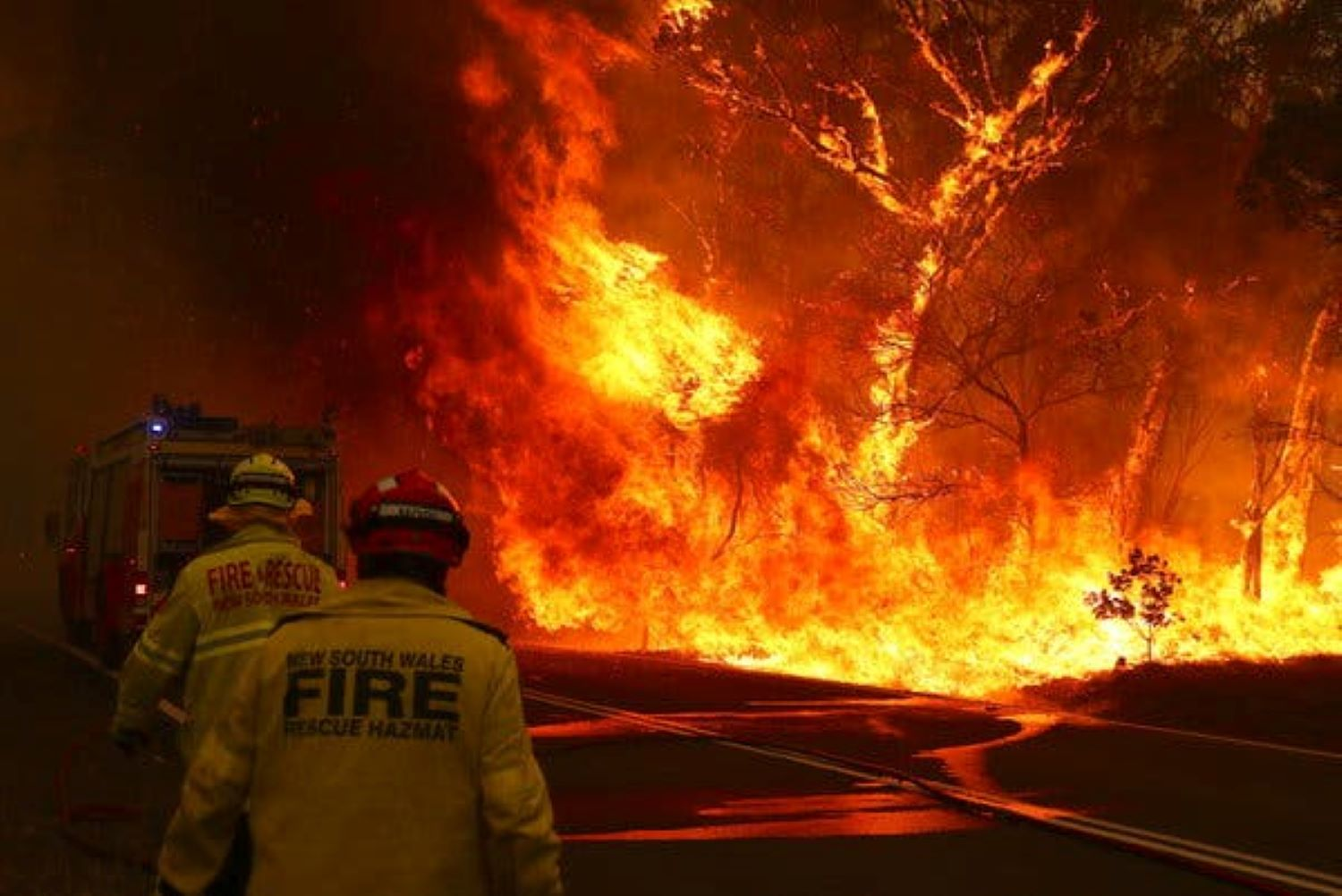 Australia PM Scott Morrison visits beleaguered firefighters, apologises for U.S. holiday