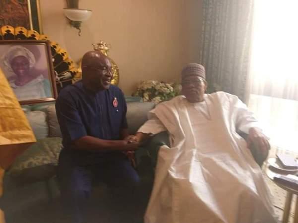 Gen Babangida hosting former Senate president Sen. David Mark at his residence in Minna.