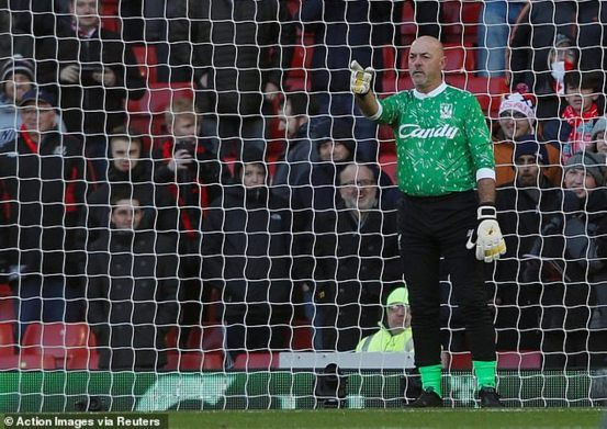 I peed on the posts to break witch curse on Liverpool ? Bruce Grobbelaar