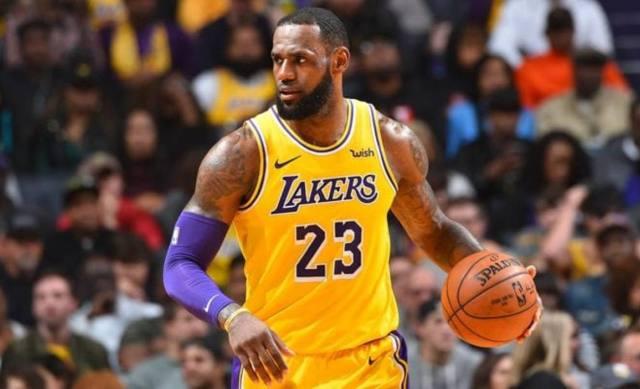 US NBA tells teams to plan for empty arenas; LeBron says no way