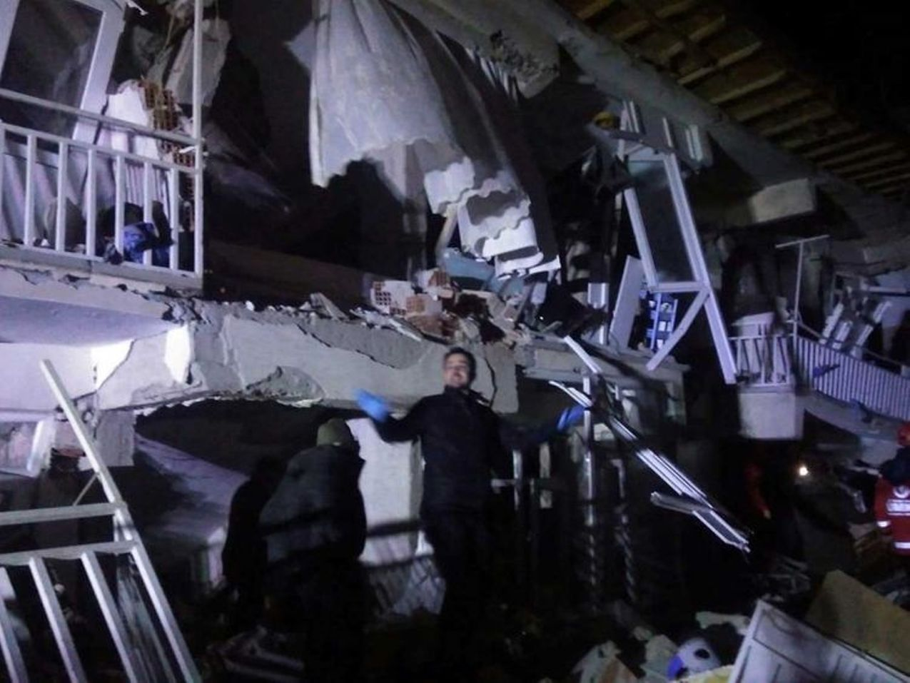 At least Four dead in powerful quake in eastern Turkey